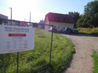Parkoviště k lékařské budově
